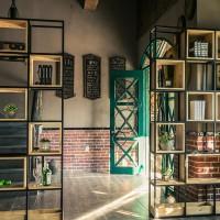 美式铁艺实木格子置物架复古咖啡厅奶茶店书店屏风隔断落地置物架